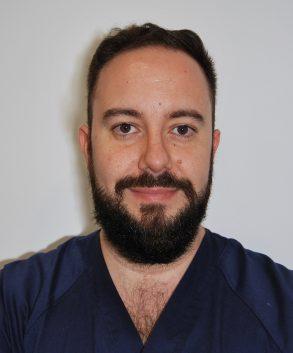 Dr. Víctor Bances